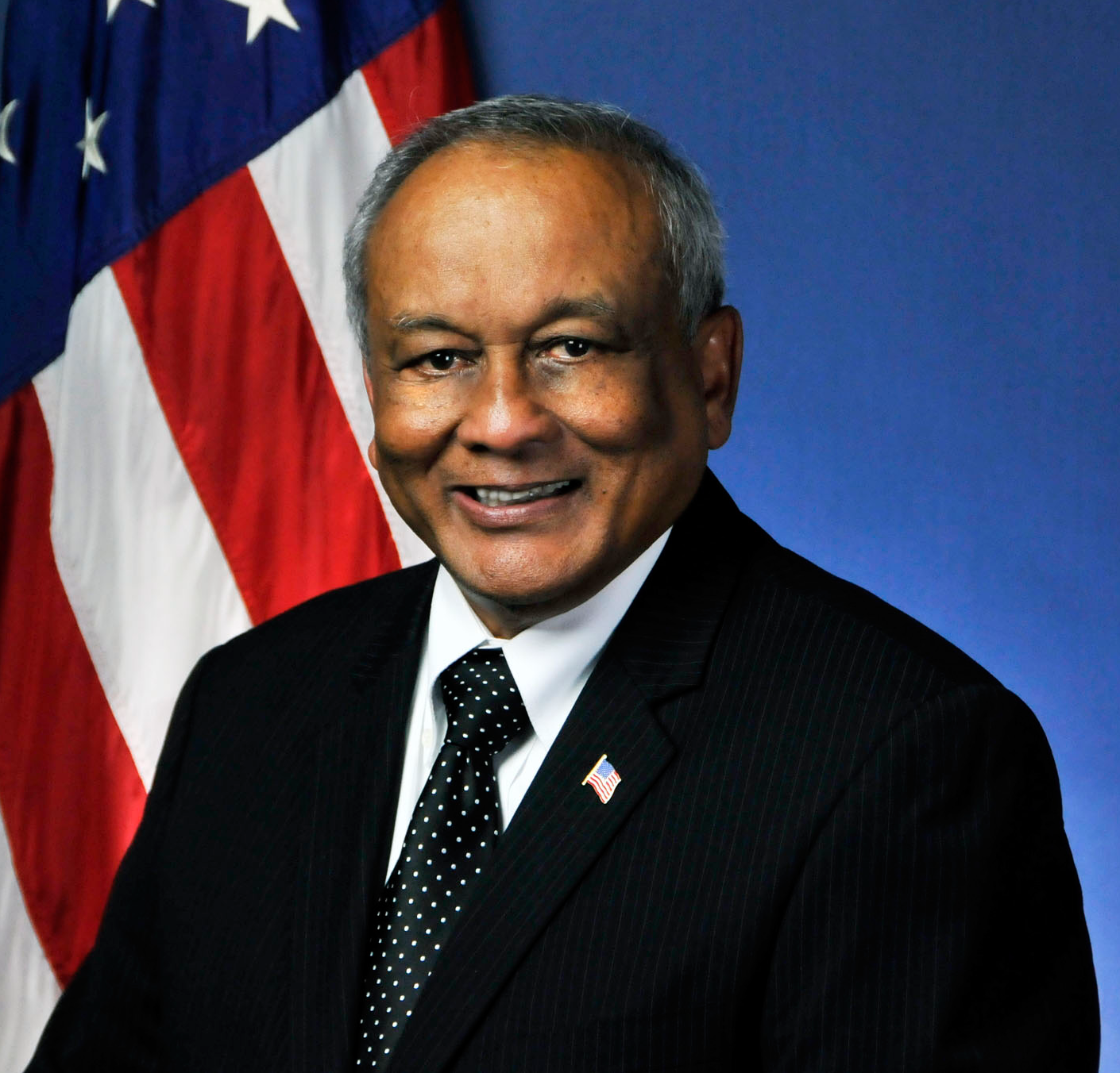 Mokhtee Ahmad: Regional Administrator for Region 7