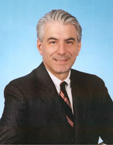 Headshot of FTA's Robert Tuccillo